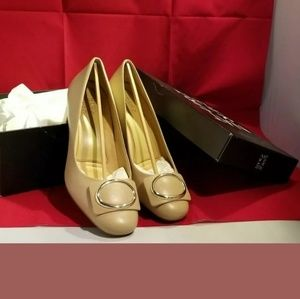 "Naturalizer ""Wright"" taupe pumps 8.5M NIB"